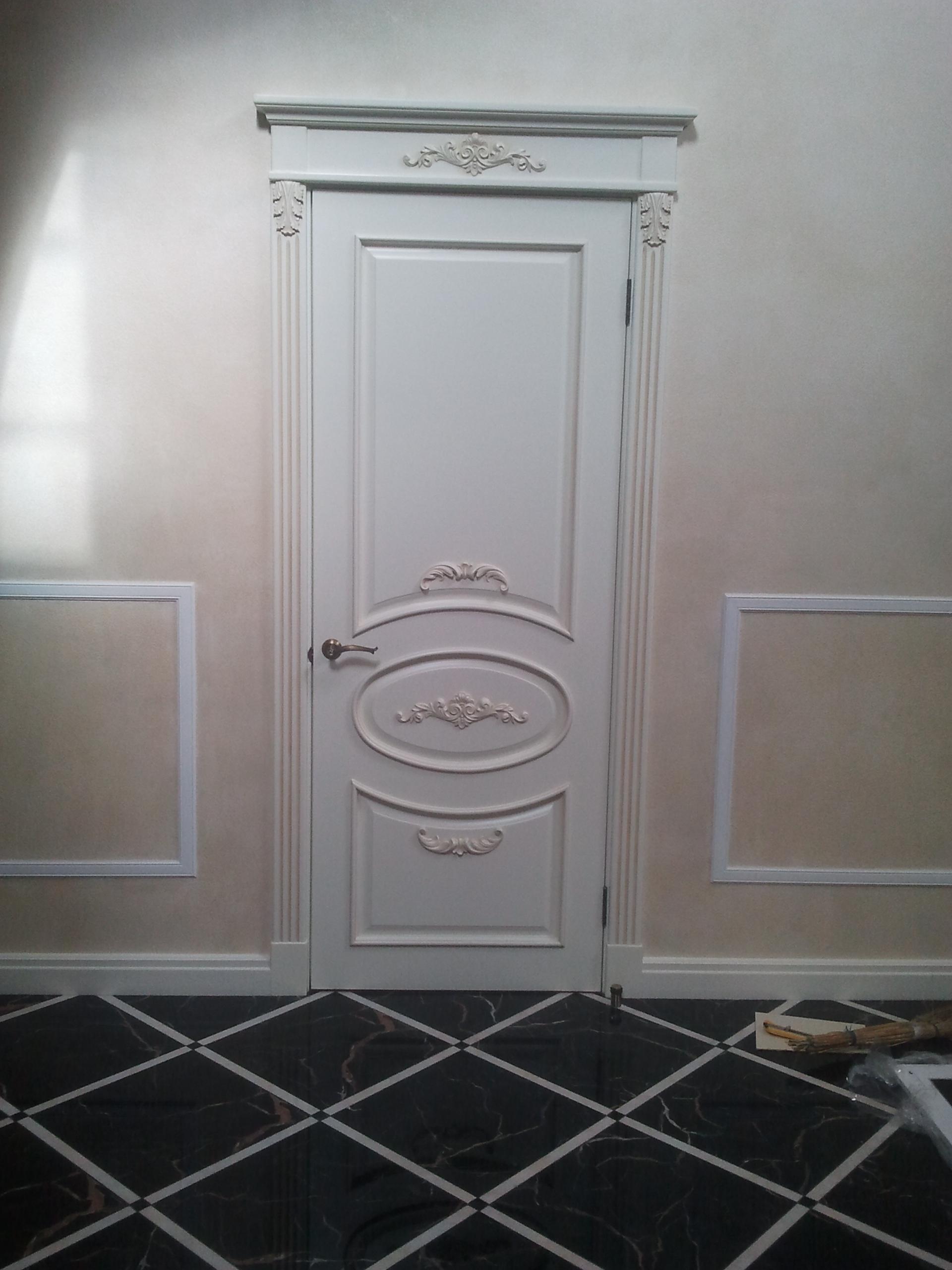 Двері з елементами різьблення - фото 7
