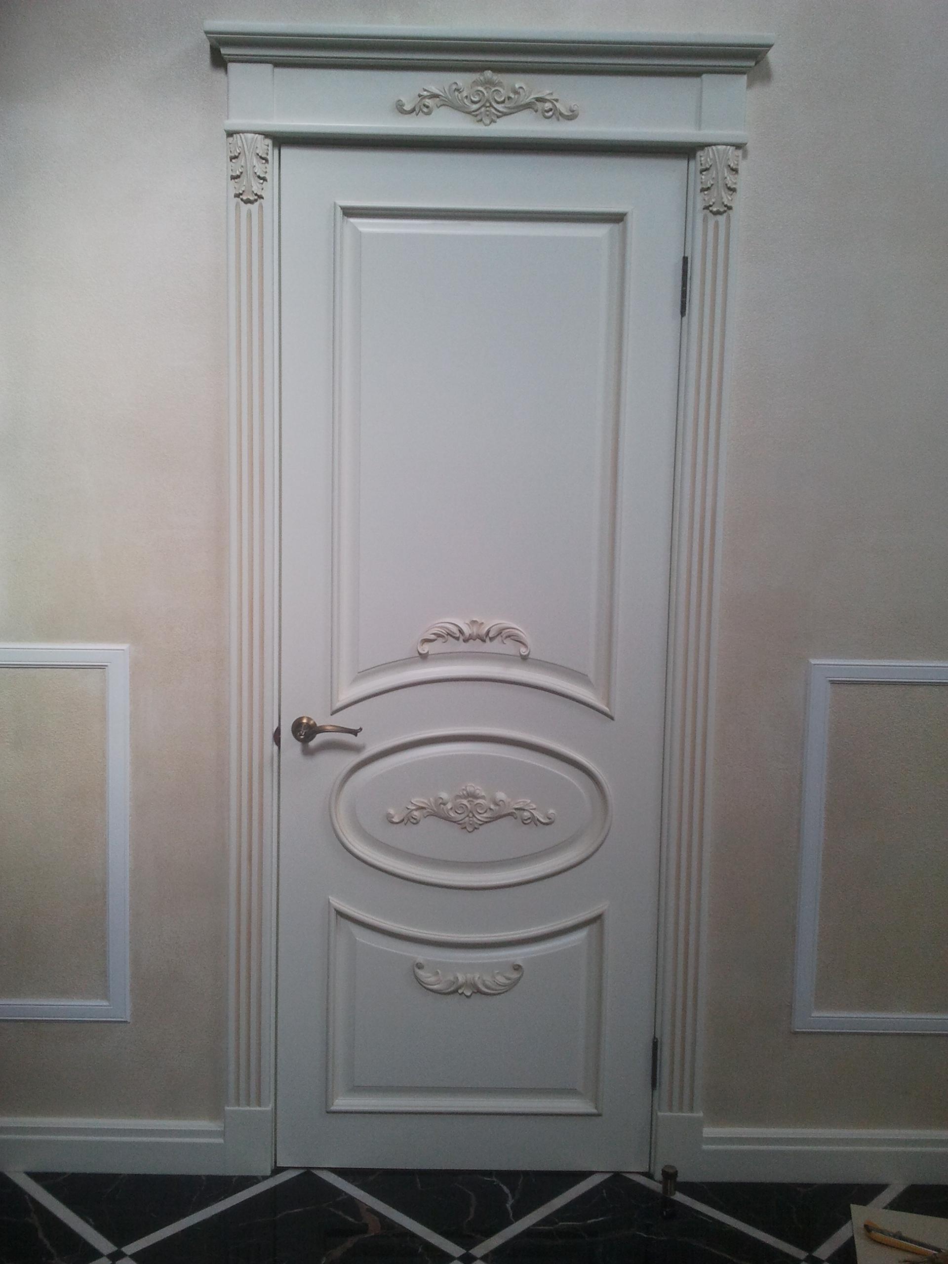 Двері з елементами різьблення - фото 10