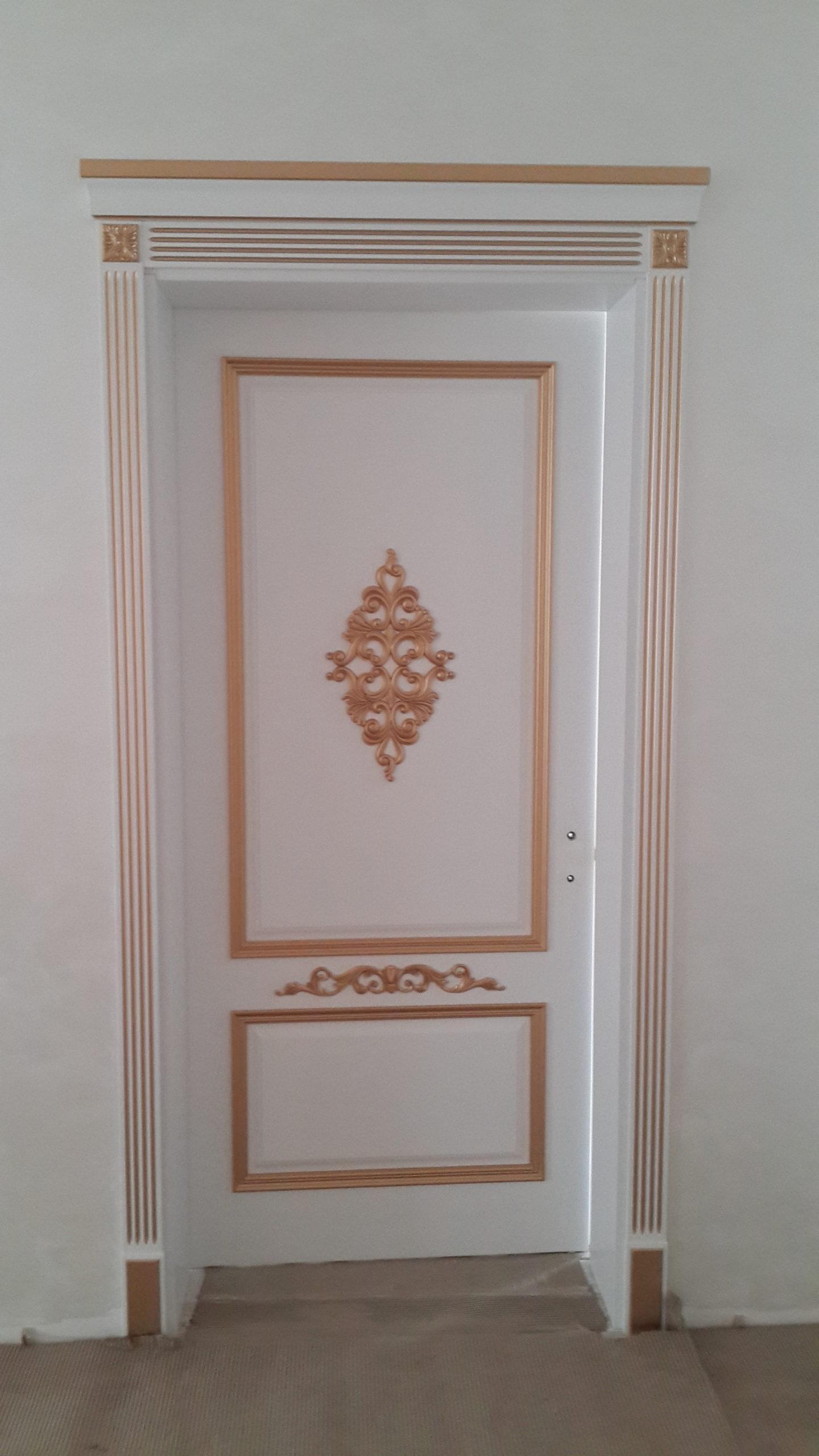 Двері з елементами різьблення - фото 18