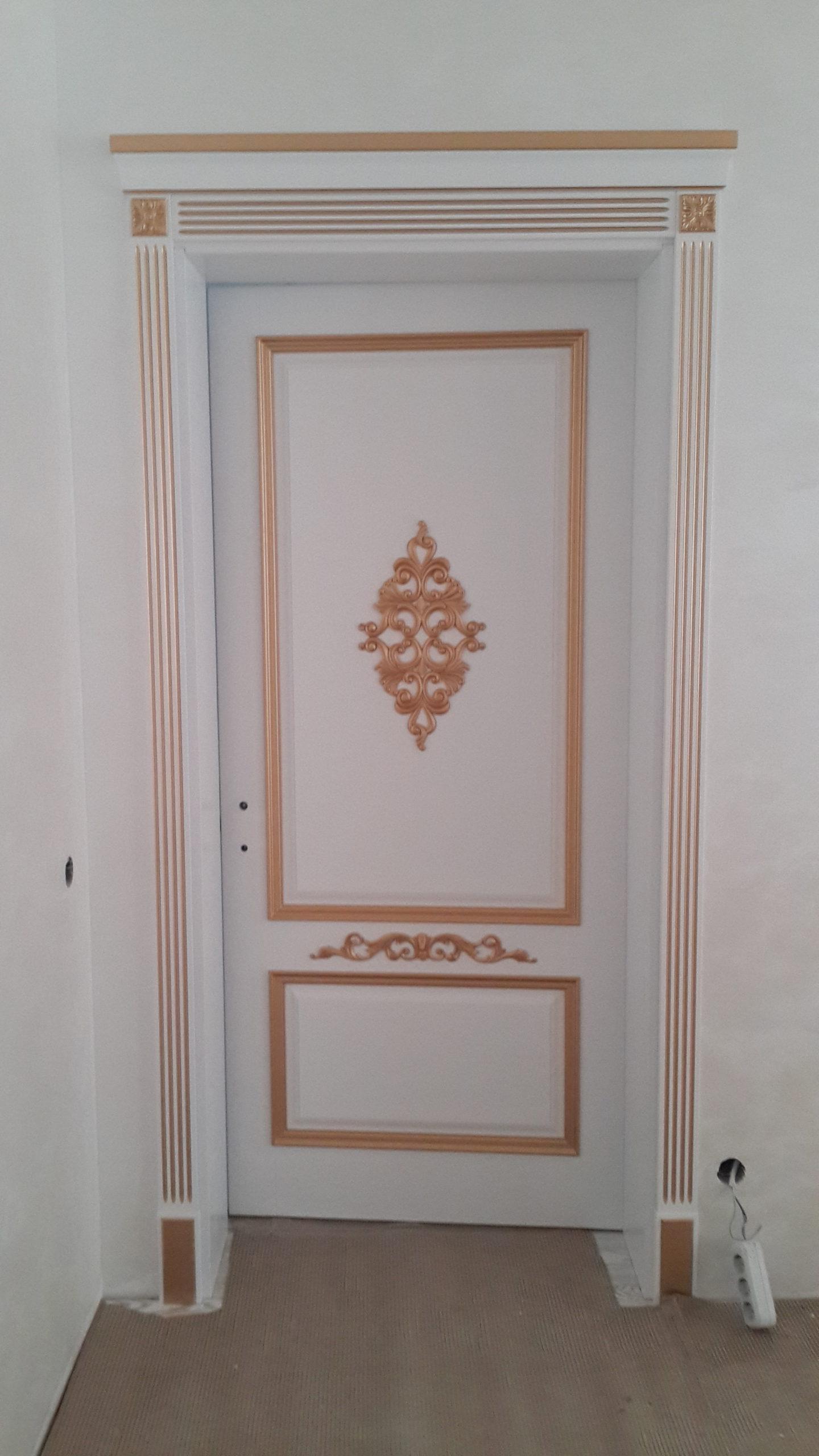 Двері з елементами різьблення - фото 14