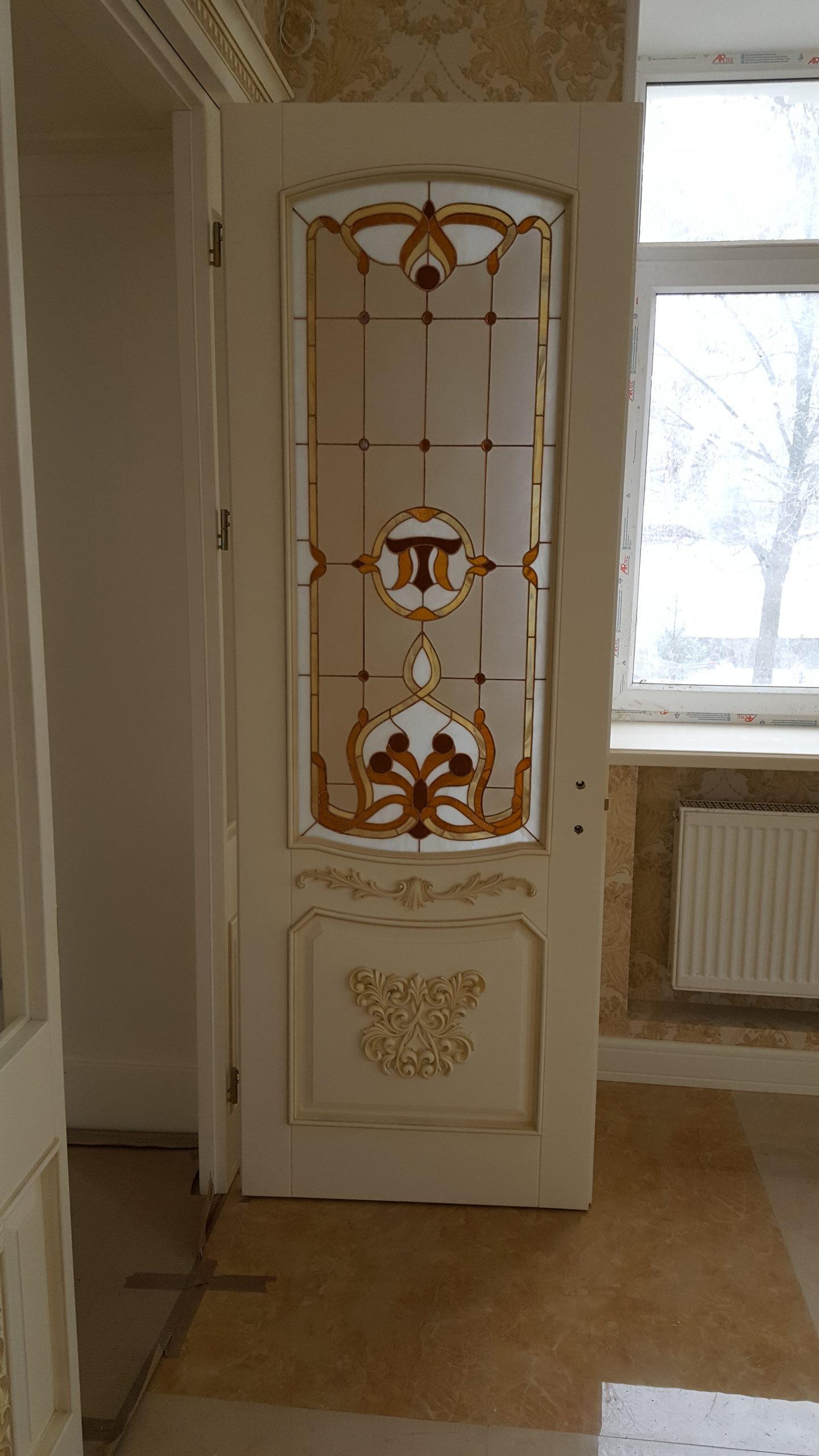 Двері з елементами різьблення - фото 19