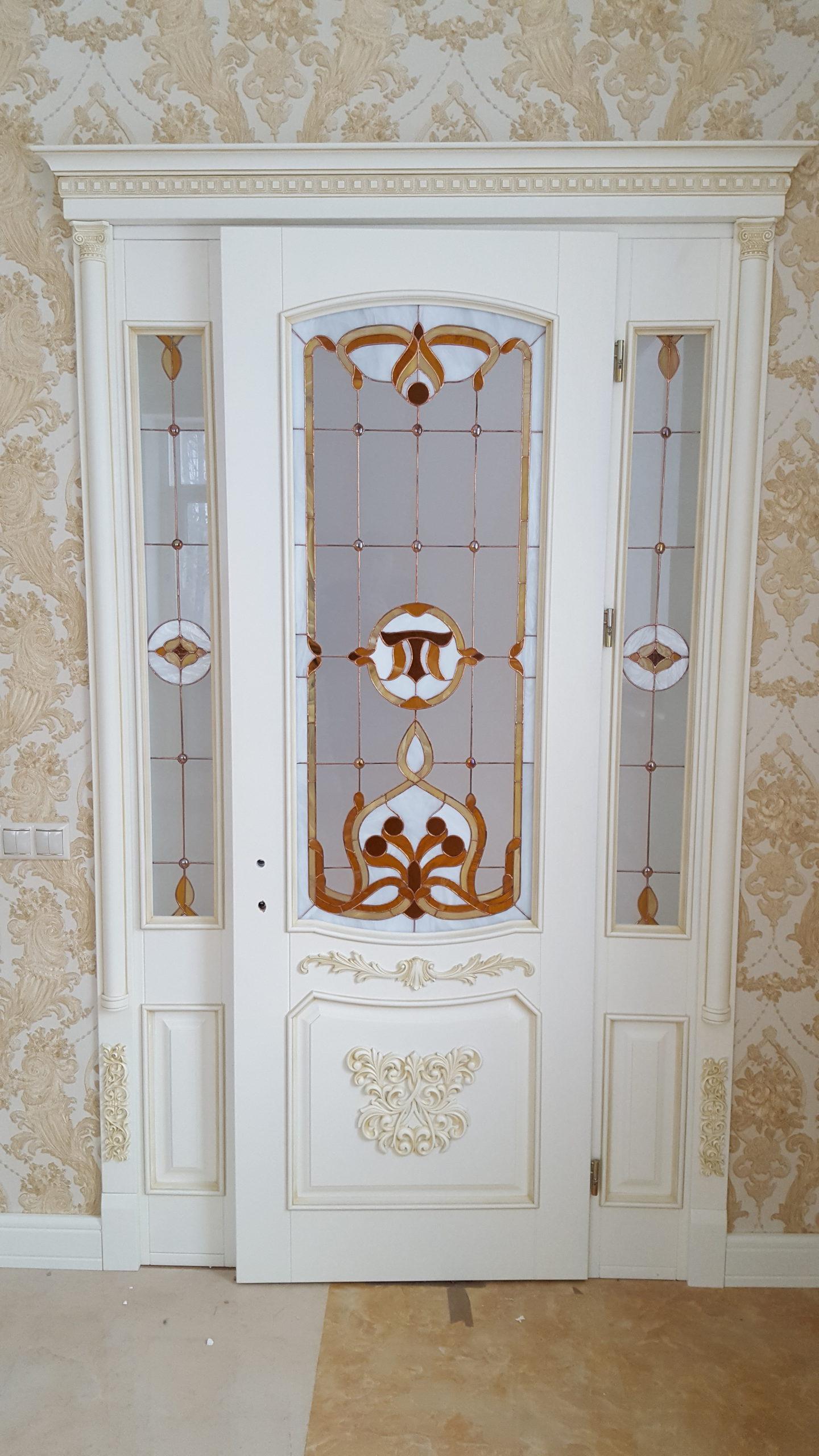 Двері з елементами різьблення - фото 4