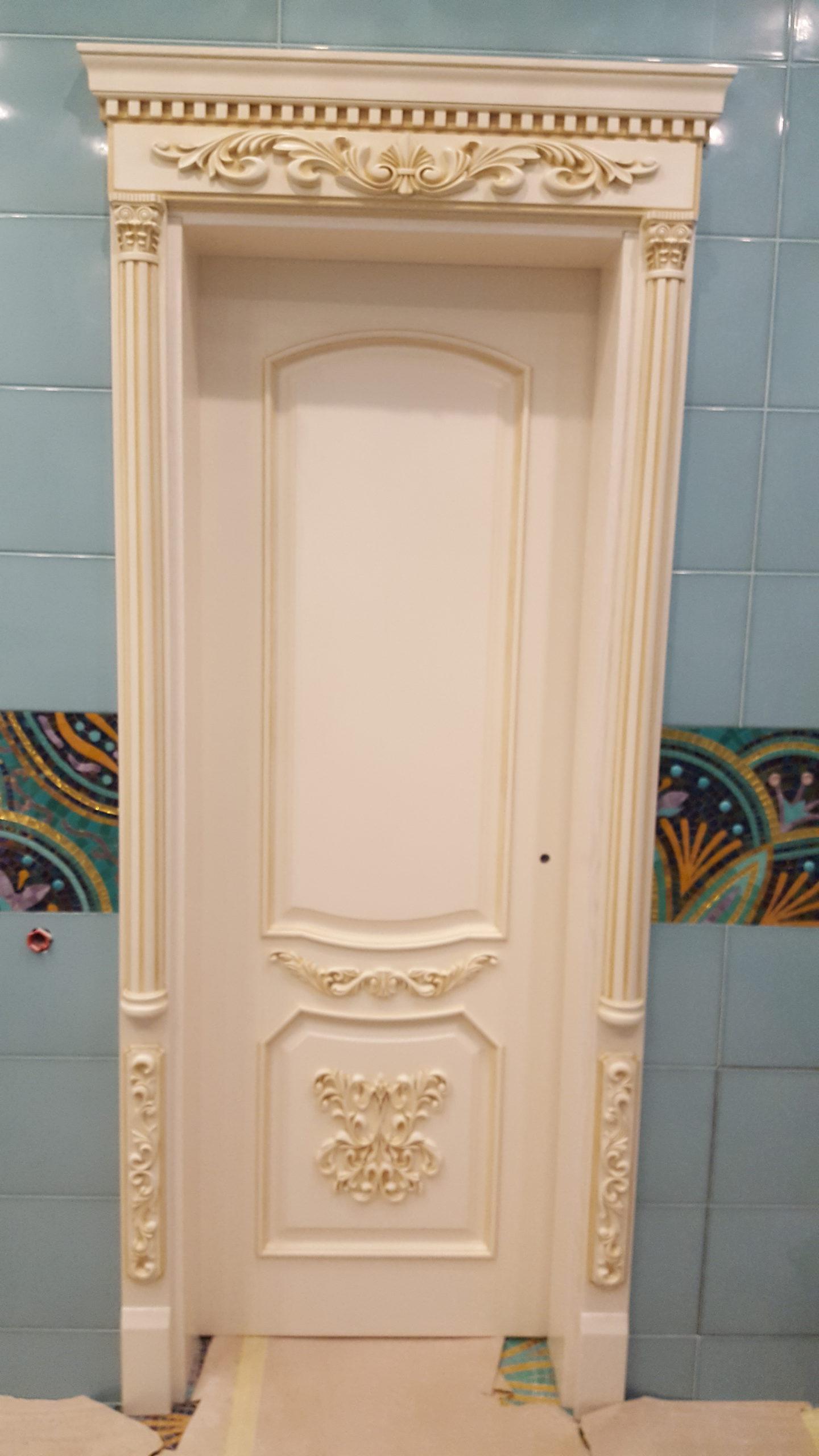 Двері з елементами різьблення - фото 21
