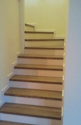 Класичні дерев'яні сходи