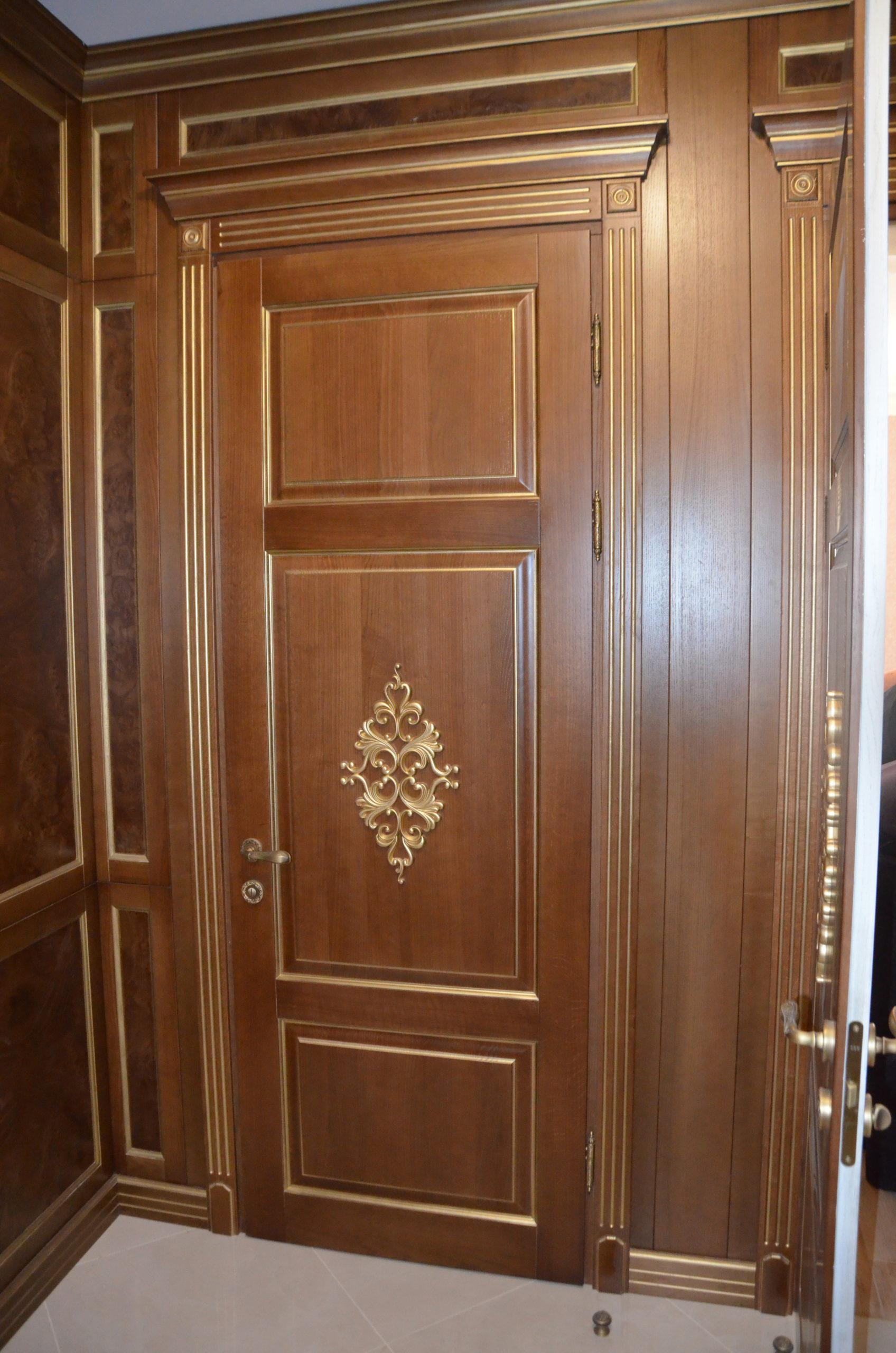 Двері з елементами різьблення - фото 5