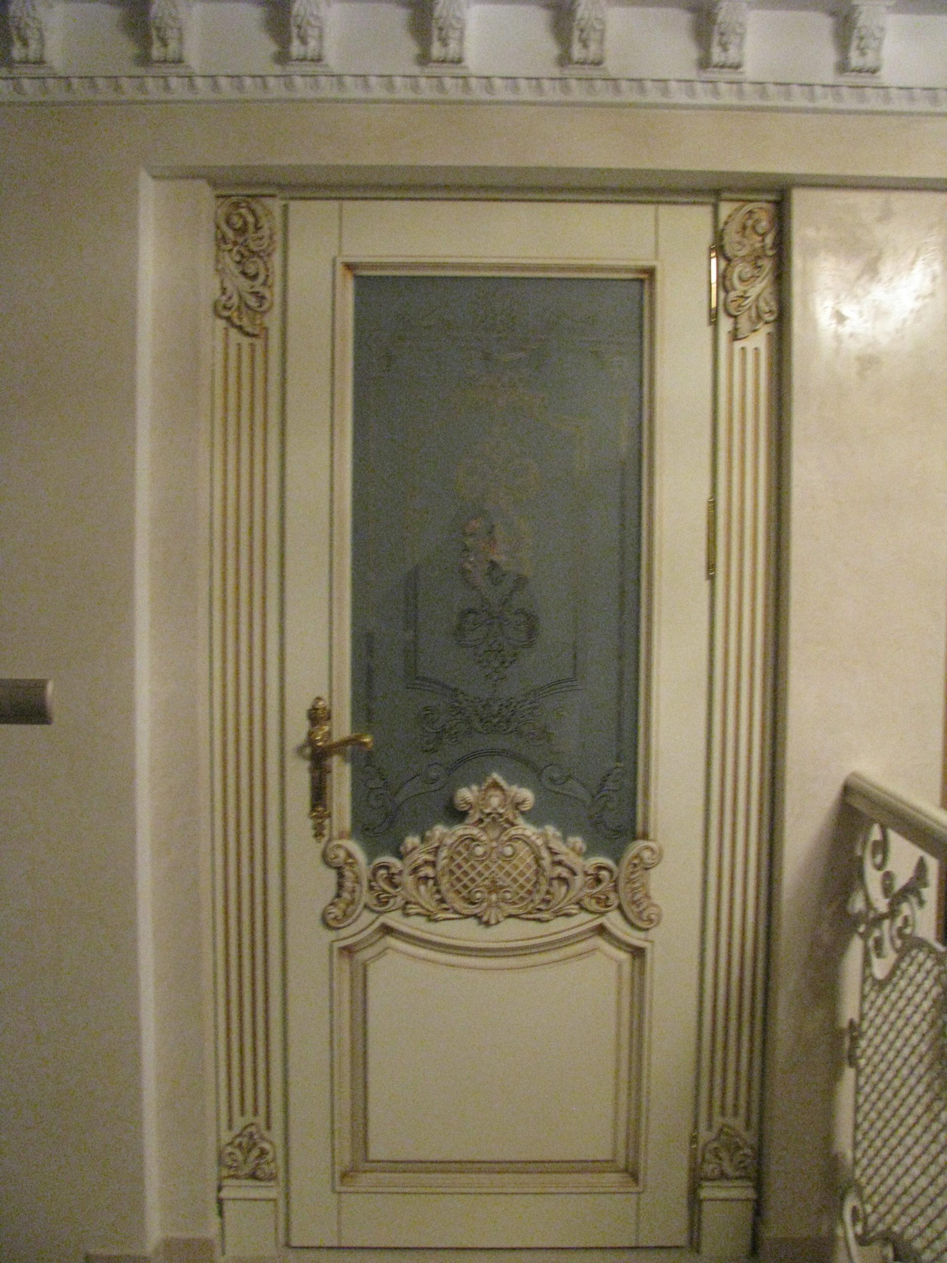 Двері з елементами різьблення - фото 27